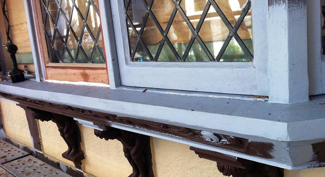 Period Casement Windows | London Court Perth WA. Window Repair.